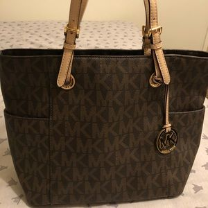 Sale! Authentic Michael Kors